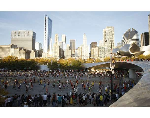 Runners participate in the annual Chicago Marathon